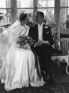 Mors og fars bryllup den 11. marts 1942. Svanemøllevej, Hellerup.