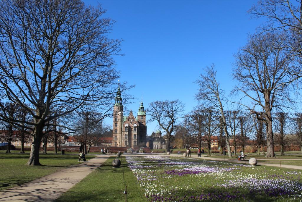 Kongens Have med Rosenborg Slot bygget i 1630-35 af Kong Christian den 4. Foto den 12. marts 2015 af Erik K Abrahamsen
