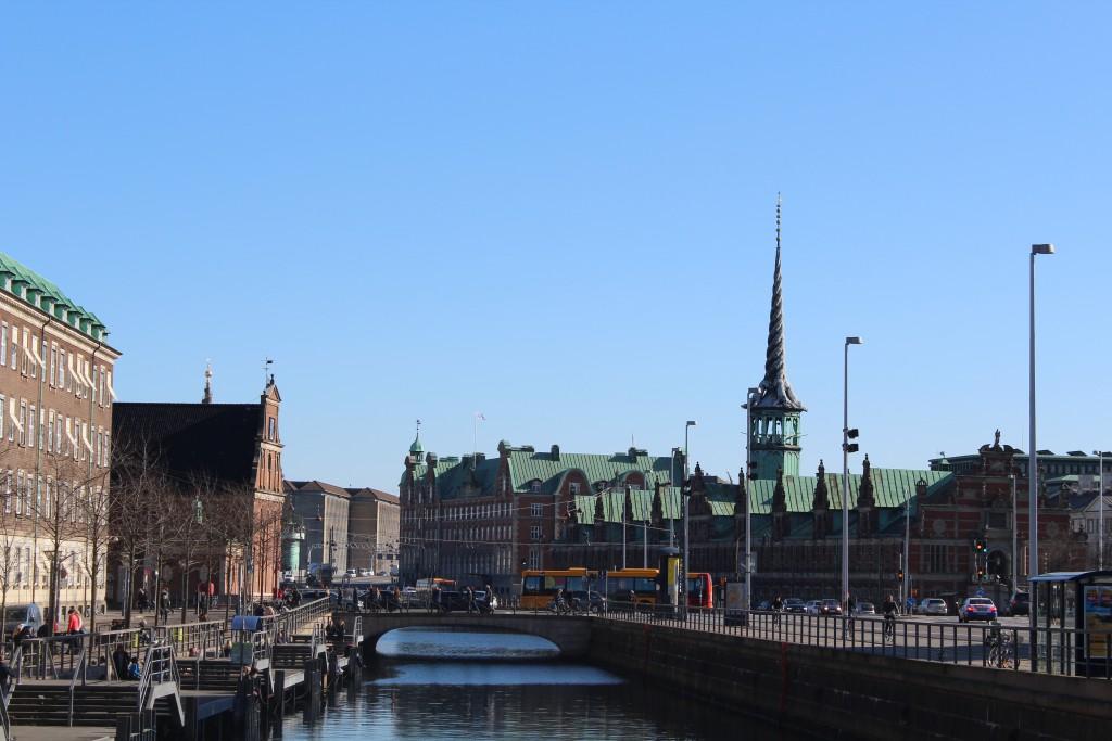 Udsigt mod Slotsholmens kanal, Holmens Bro, Holmens Kirke og Børsen. Foto den 12. marts 2015 af erik K Abrahamsen