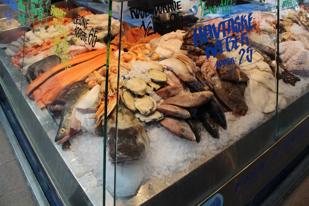 Udsalg af frisk fanger fisk fra specialbutik i Torvehallerne. Foto den 16. marts 2015 af erik K Abrahamsen