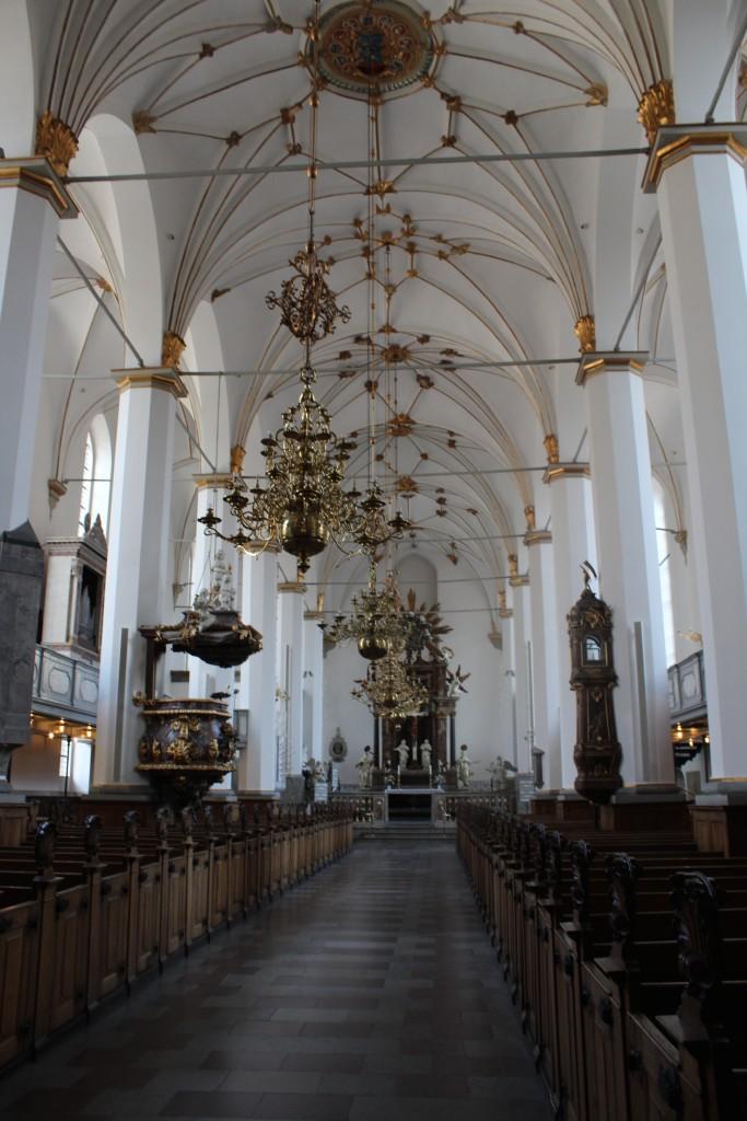 Trinitatis Kirke opført 1635-57. Invenar og Universitetsbiblioteket brændte under Københacn Brand 20.-23. oktober 1718. Nuværende inventaer med alter og prædikestol fra 1730´erne. Foto den 16. marts 2015 af Erik K Abrahamsen