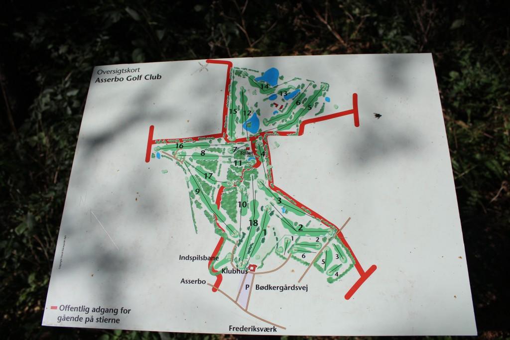 Kort over Asserbo Golf Clib´s 18 hullers bane. Foto 2014 af