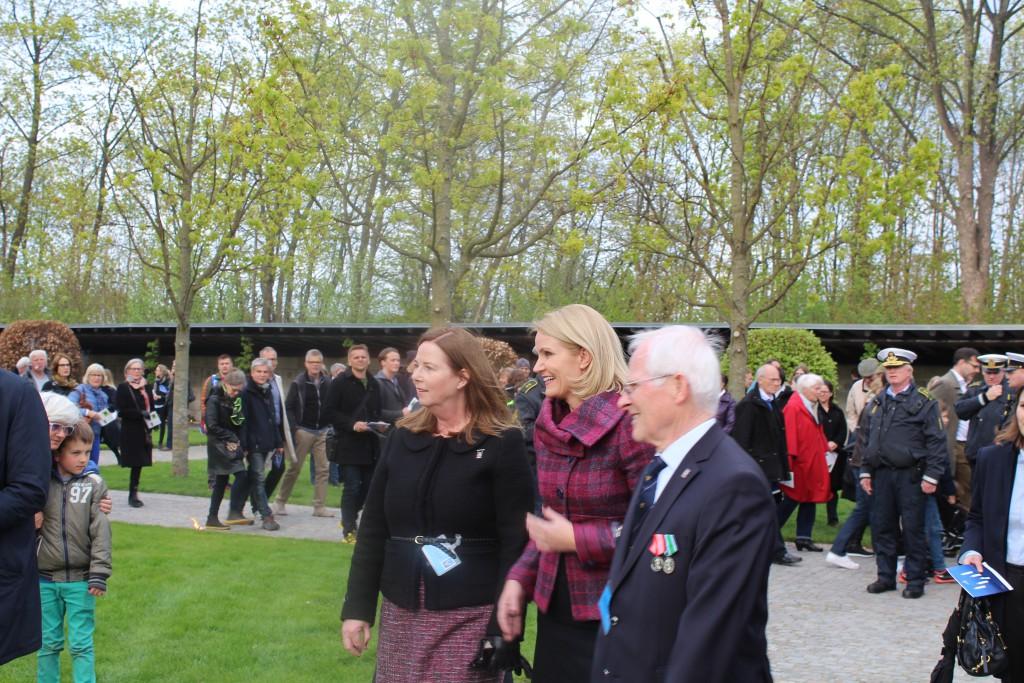 Statsminister Helle Thorning-Schmidt ankommer til Mindehøjtideligheden, hvor Statsministern skal holde den officielle tale. Foto den 4. maj 2015 af Erik K Abrahamsen