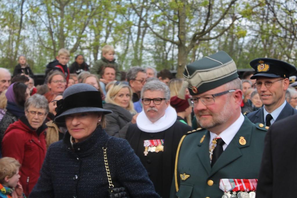 Personligt inviterede gæster ankommer til Mindehøjtidelighed. Foto den 4. maj 2015 af Erik K Abrahamsen