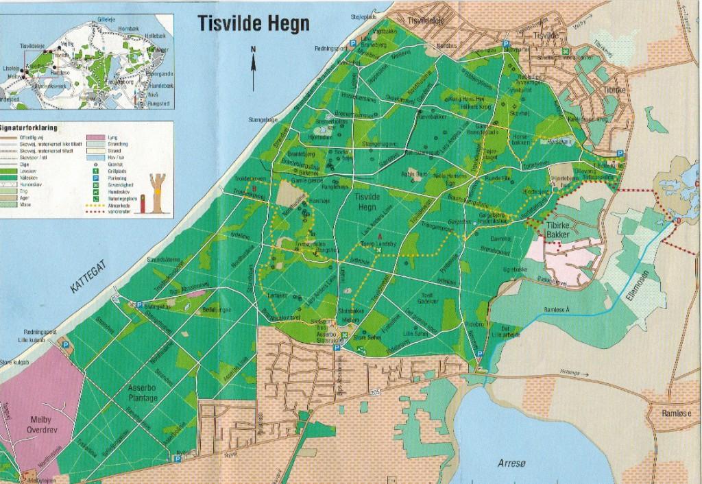 """Kort over Tisvilde Hegn i Nordsjælland, Danmark- Scannet fra folder """"Tisvilde Hegn, Vandreture nr. 1"""" udgivet af Miljøministeriet, Naturstyrelsen, 2011."""