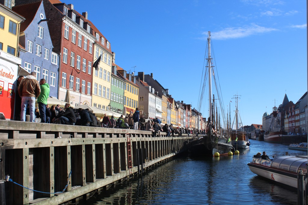 Nyhavn Canal in Copenhagen City. View in direction south. Photo 12.
