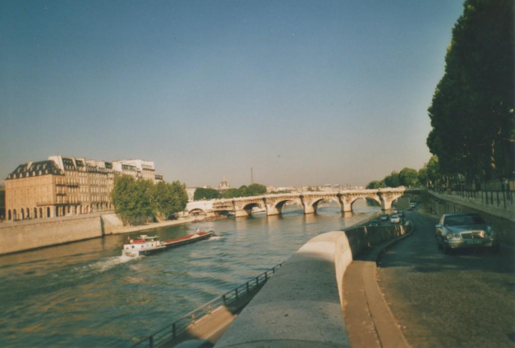 Quai de Seine. Veuw to Ile de