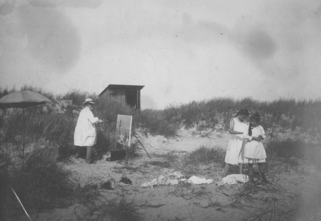 Laurits Tuxen paintin on beach close to Villa Dagminne, Skagen, 1907. Phot from Laurits Tuxen private photo album 1902-27. Scanned 2. february 2016.