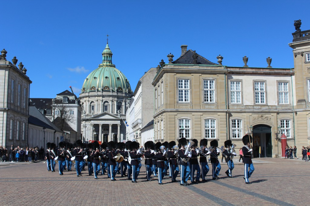 The Queens Royal Guard arrives to Amalienborg Castle Square. Photo 20. april 2016 by Erik K Abrahamsen