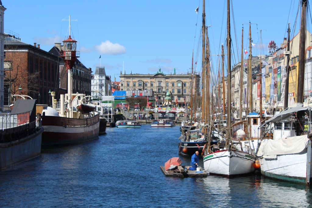 Nyhavn Canal - 400 m long and 25 m wide