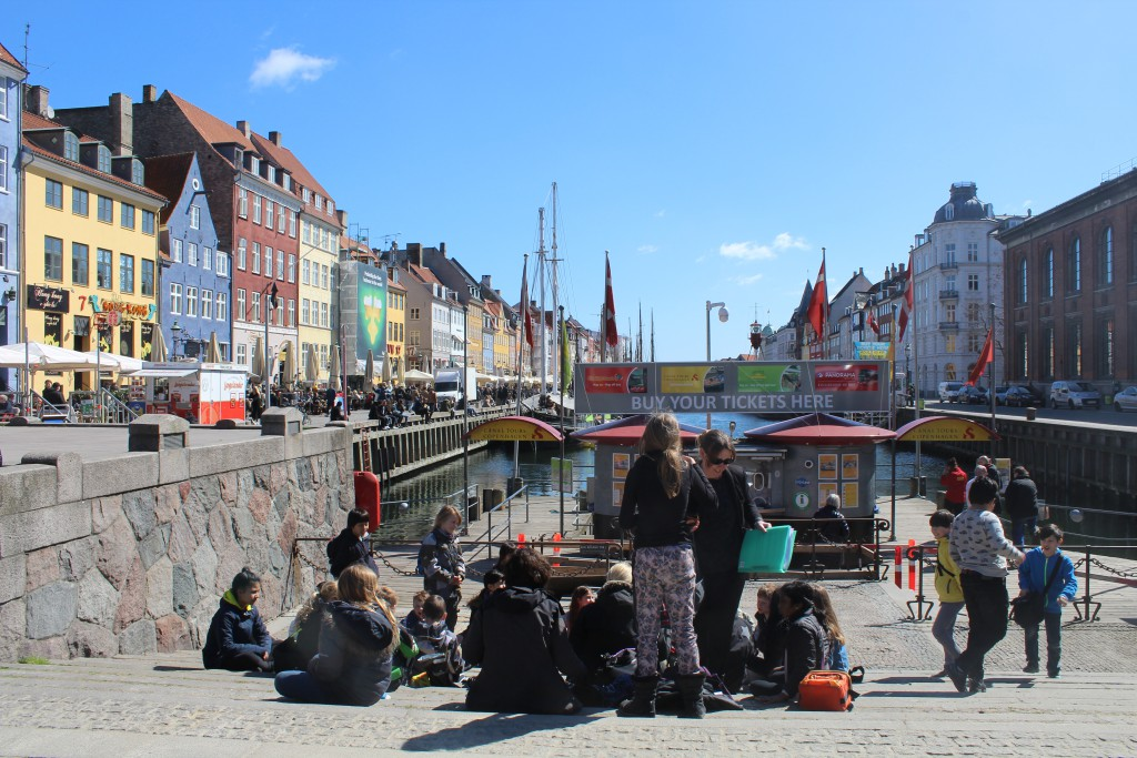 Nyhavn an atmosphere of joy, fun and freedom for all ages. Photo i