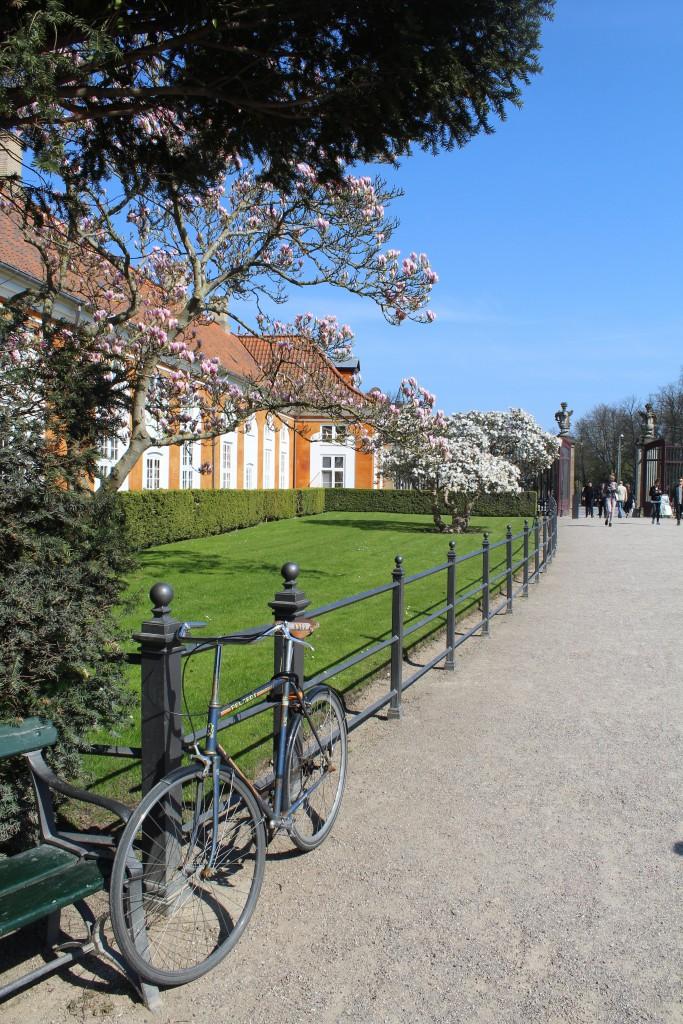 Entracs of Frederiksberg Have at Frederiksberg Allé. Photo 2. may 2016 by erik K Abrahamsen-