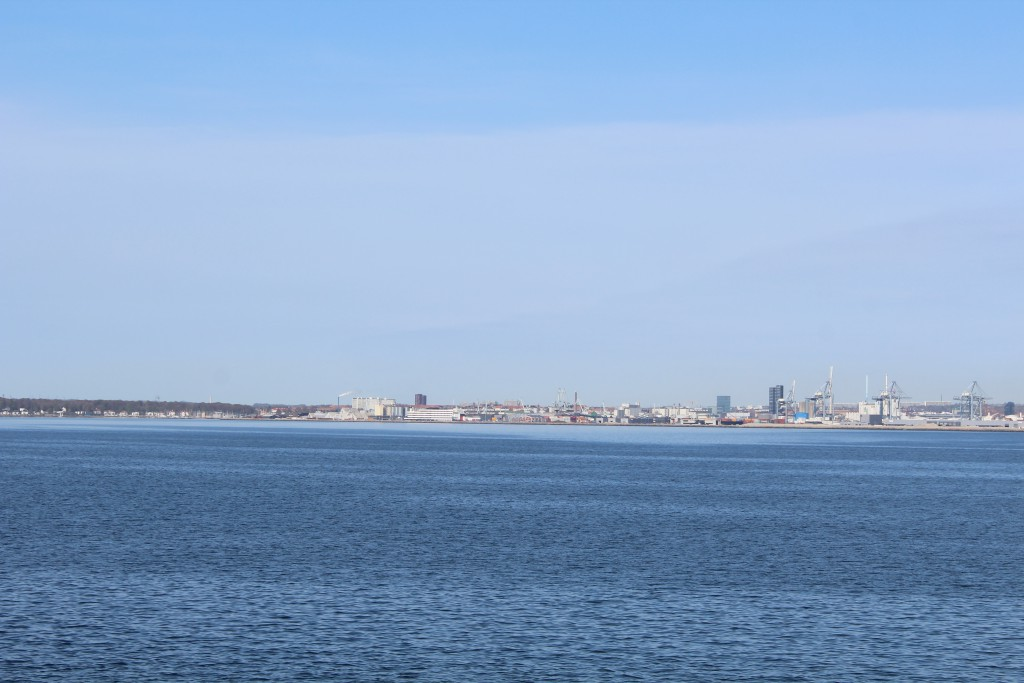 """View to Aarhus and its harbour from ferre """"Molenilien"""