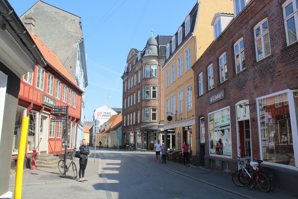 Mejlgade with shop JASTERS. Photo 7. may 2016 by