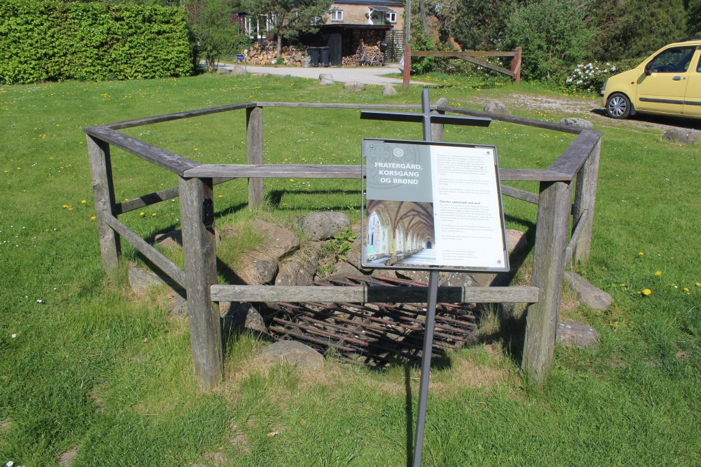 """Original well excavated in inner yard """"Fratergård"""" which was the western part of Esrum Monastery Complex. Photo 12. may 20"""