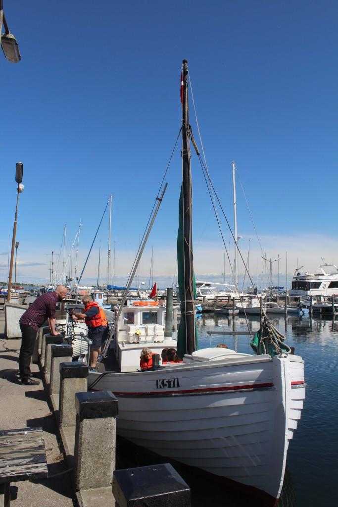 "Dragoer fishing boat ""Elisageth K571"""
