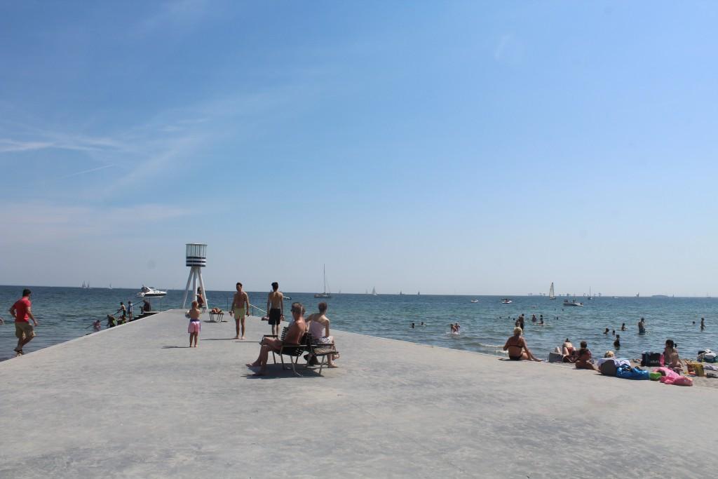 View to Øresund from Bellevue Beach in Klampenborg. Photo in direction east 4