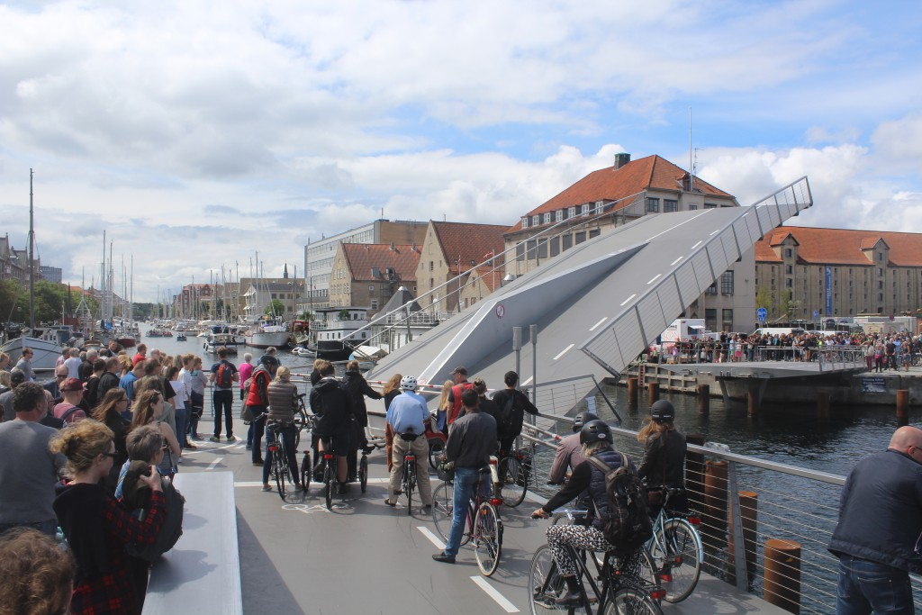 """View in direction west to from new walk-and bike bridge """"Trangravsbroen"""" t"""