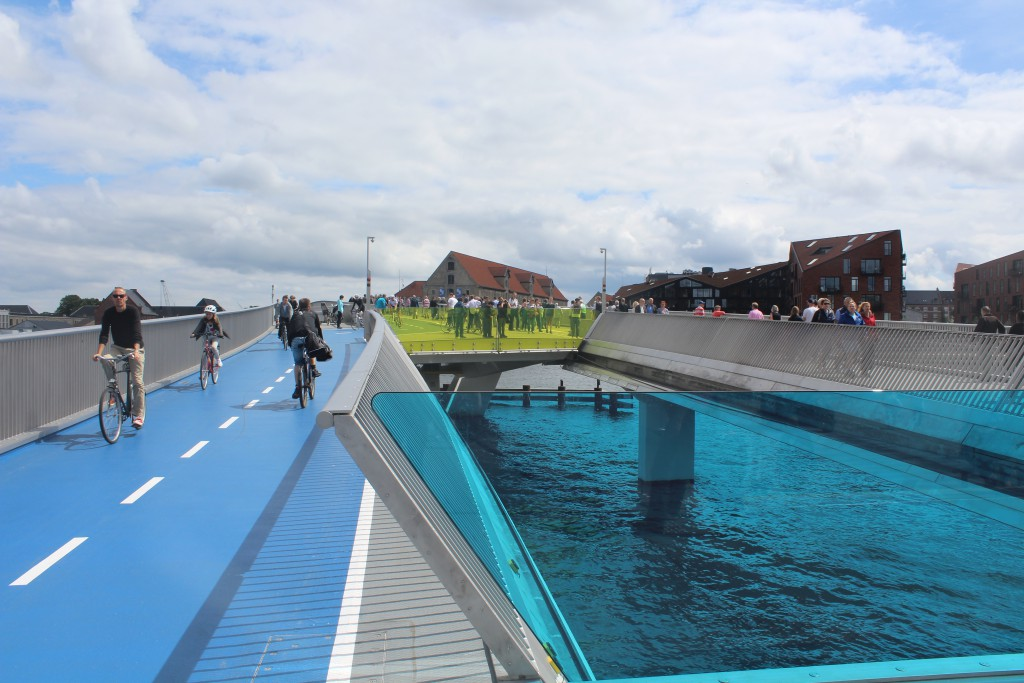 "The new 180 m long ""Inderhavnsbroen"" has a new unique construction. Its a ""glide b"