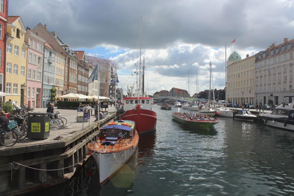 "View in direction soutt to new walk-and bike bridge #Inderhavnsbroen"" pass"