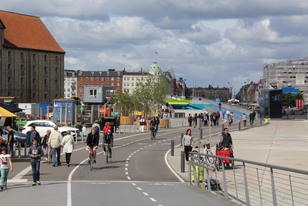 View from Trangravsbroen in direction north to Inderhavnsbroen and Nyhavn on