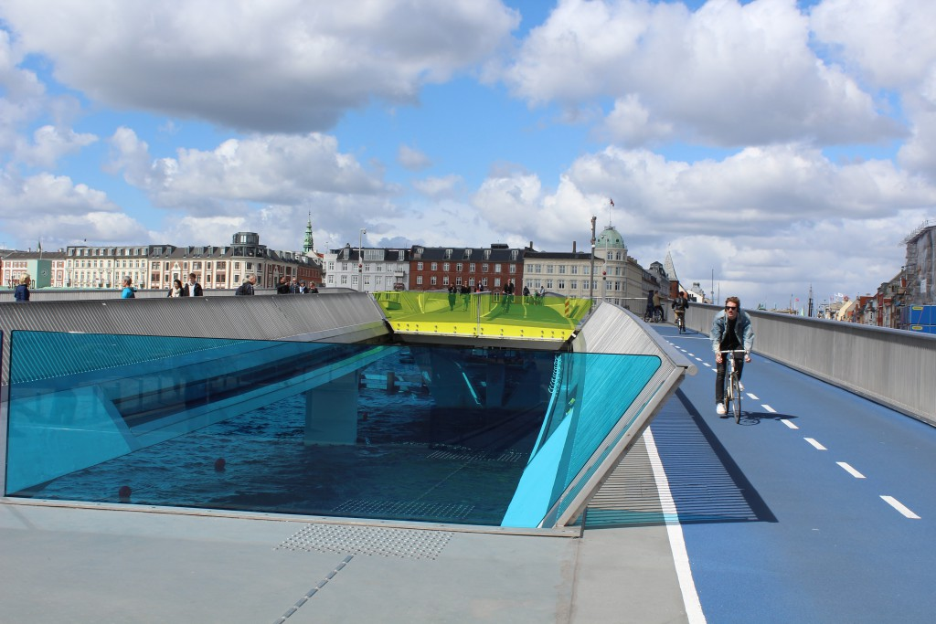 New Inderhavnsbroen - bike-, run and walk glide bridge between Nyhavn and Christianshavn in Cop