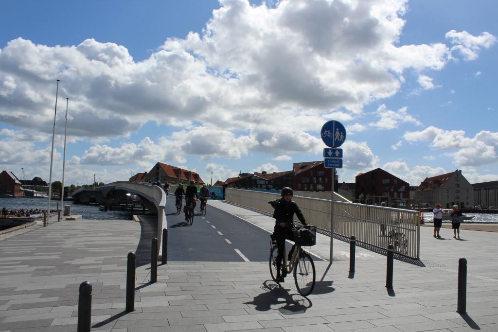 New bike-, run and walk glidebrige between Nyhavn/Havnegade and Christianshavn in Copenhage Inner Harbour. Photo in direct south to Christianshavn 10. angust 2016 by erik K Abrahamsen