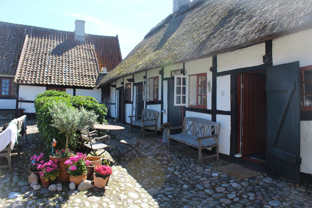 Lodsoldermandsgaarden. View in direction east to south wing at right on photo. Phoot 17. august 2016 by erik K Abrahamsen.
