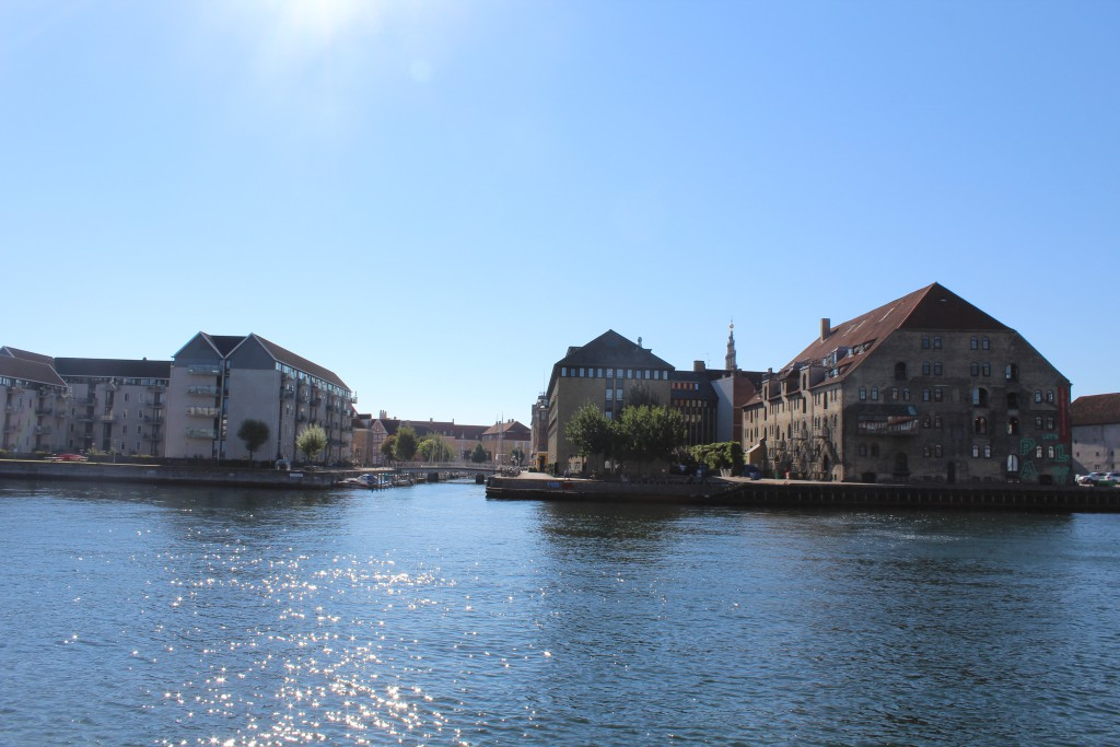 Christianshavn. View to Christianshavns canal with residences at left and H.C. Scharling Sore House at right. Photo in direction south to Southe side of Copenhagen Inner har