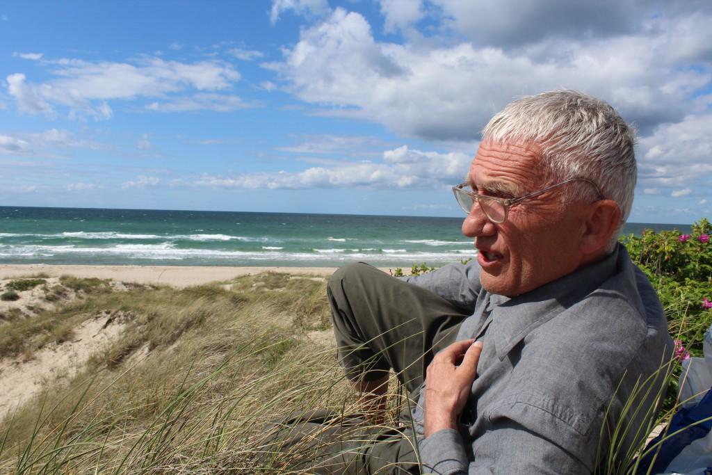 Per Baagøe, Maler og tegner født 24. december 1946. Foto Tisvilde hegn, Stængehus Strand
