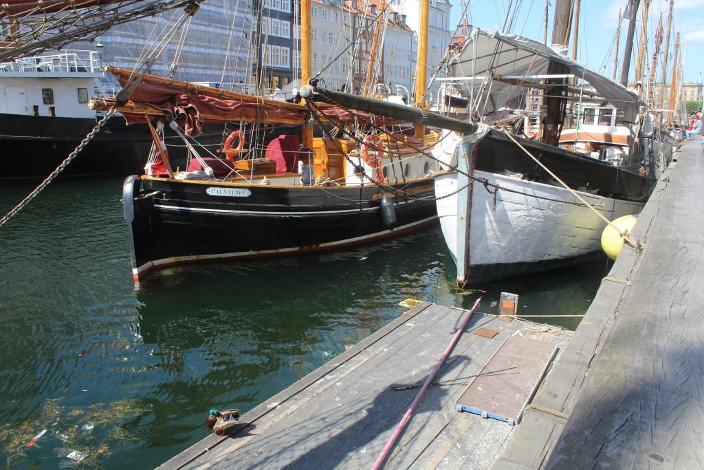 Woodboats in Nyhavn Canal. Photo 6. june 2016 by Erik K Abrahamsen.