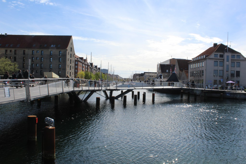 Trangraven Bridge. View in direction west to Christianshavn Canal.