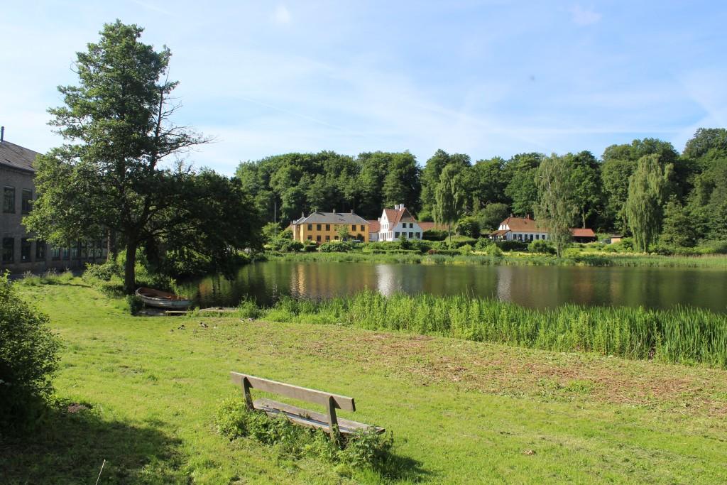 Udsigt mod Råaadvad med opdæmning af Mølleåen for Mølledrift