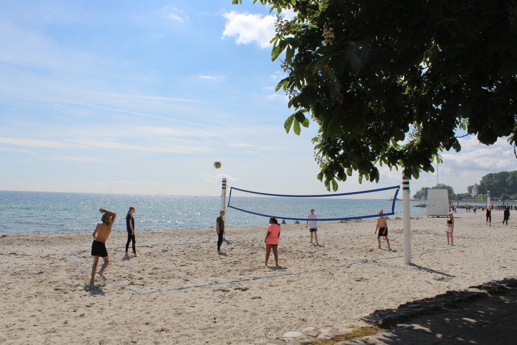 Bellevue Strand. Volley i sand. Foto