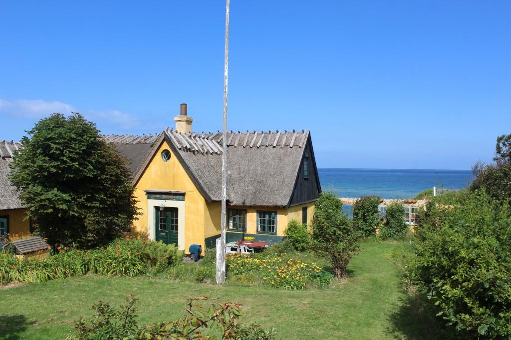 Gamle fiskerhuse langs Hovedvej gennen