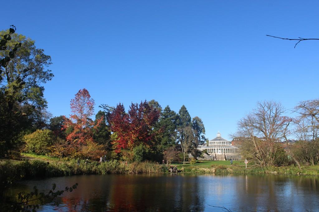 Botanisk Have. Udsigt over sø sam var tidligere del af voldgraven
