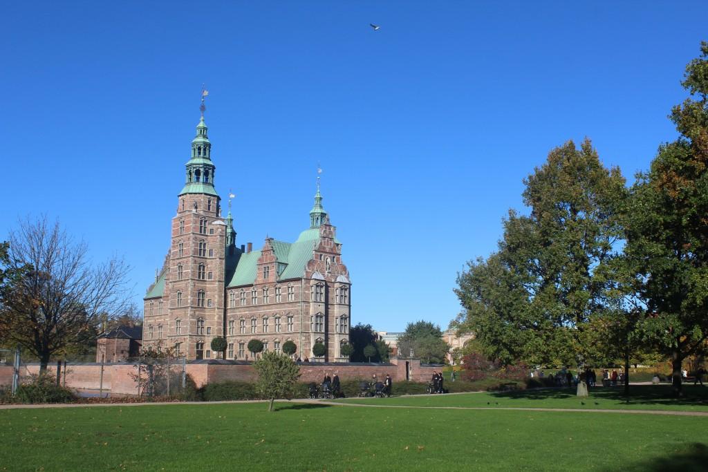 Kongens have. Rosenborg Slot bygger 1635 af Kong Christian den 4 (1588-1848. Foto den 30. oktober 2017 af Erik K Abrahamsen.