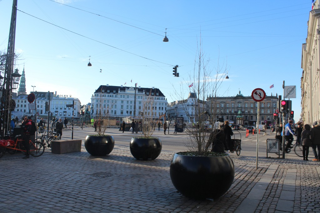 View from Nyhavn to main central square Kongens Nytorv. The METRO - Cituringen has since 2012 been under construction under Kongens Nytorv and will open summer 20198. In 2018 thKongens Nytorv will be renovated as it was before the METRO construction