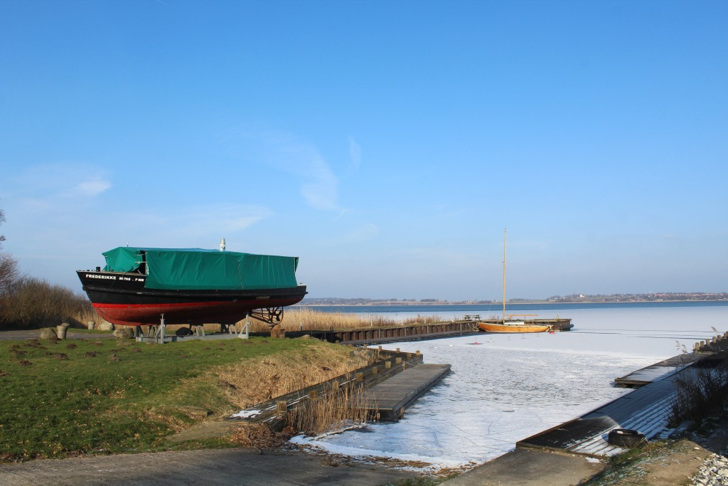 Nature Center Auderød Harbour on Arrenæs Peninsula. Phoot indirection north-east 9. february 2018 by Erik K Abrahamsen.