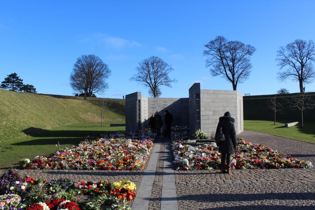 Det Nationale Monument i Kastellet. Udsigt mod RUM ET STED og RUM ET MENNESKE. Længst borte ses Prinsessens Bastion.