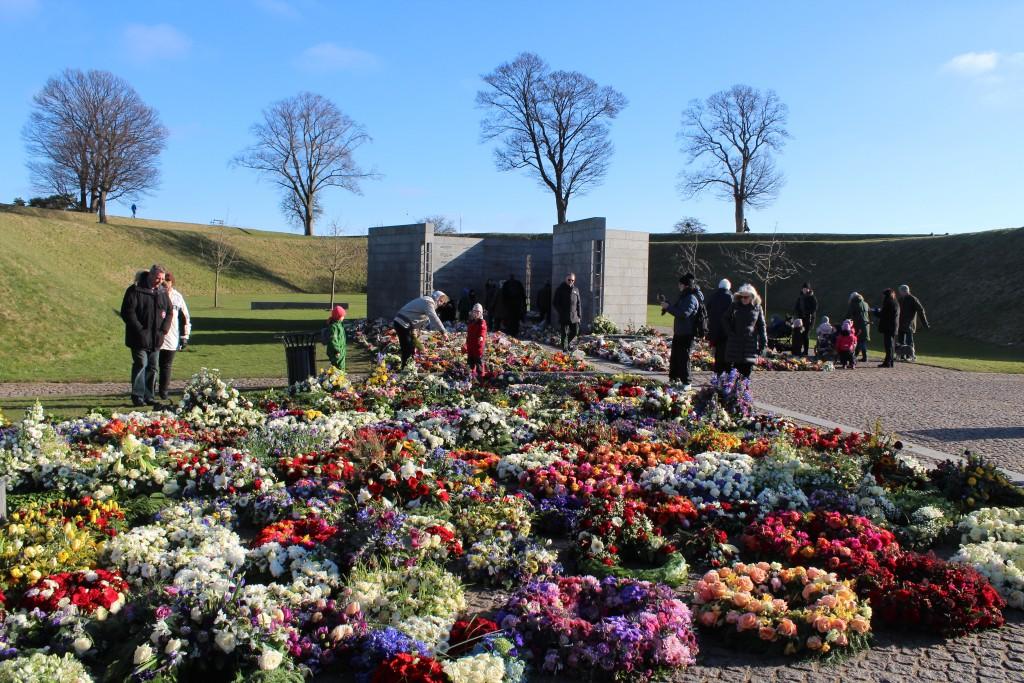 Det nationale Monument i Kastellet. Udsigt mod RUM ET STED og RUM ET MENNESKE: Foto mod Prinsessens Bastion den 22. februar 2018 af Erik K Abrahamsen.