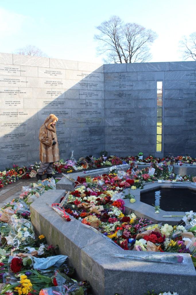 Det Nationale Monument i Kastellet: RUM ET MENNESKE. Foto den 22. februar 2018 af Erik K Abrahamsen.