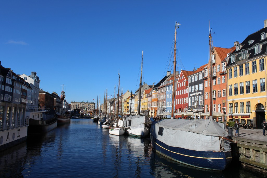 Nyhavn Canal built 1672-74 for trade. Pho in direction north 22. january 2018 by erik K Abrahamsen.