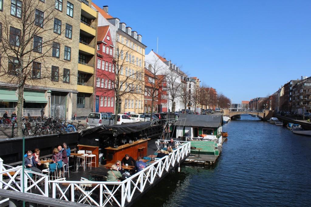 Christianshavn Kanal with outdoor restaurant at bridge on CHristianshavn Torv. Phoot