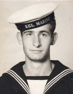 Erik K Abrahamsen, orlogsgast i Den Kg. Danske marine fra 18. august 1964 - 25 august 1965. Foto optaget i Søværnets ekserserskole i Auderød, Nordsjælland august 1964.