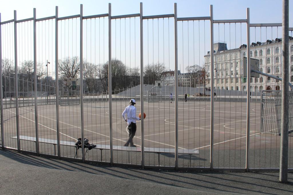 Israels Plads med idrætsanlæg for soprt, leg ao sociale aktivietert. Fot fren 16. marts 2015 af Erik K Abrahamsen