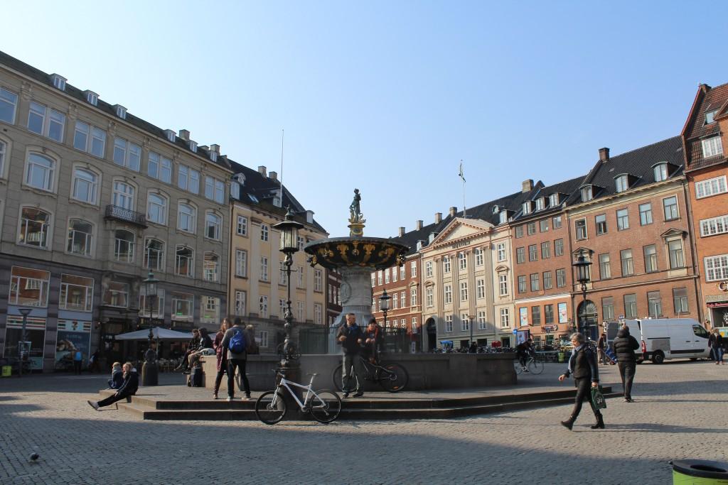 Gammal Torv med Caritas Springvand opført i 1608. Foto den 16. marts 2015 af Erik K Abrahamsen