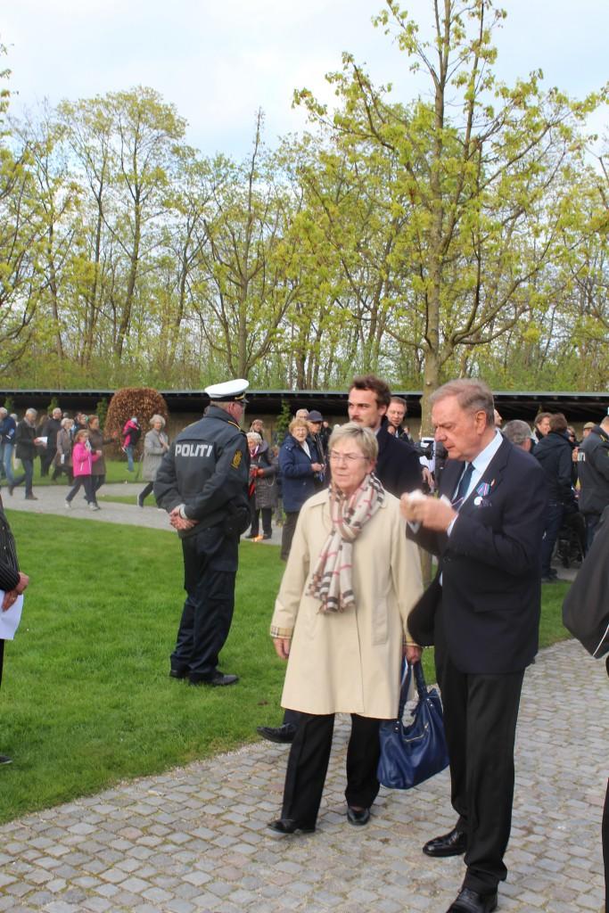 Kirke- og kulturminister Marianne jelved ankommer til Mindehøjtideligheden. Foto den 4. maj 2015 af Erik K Abrahamsen