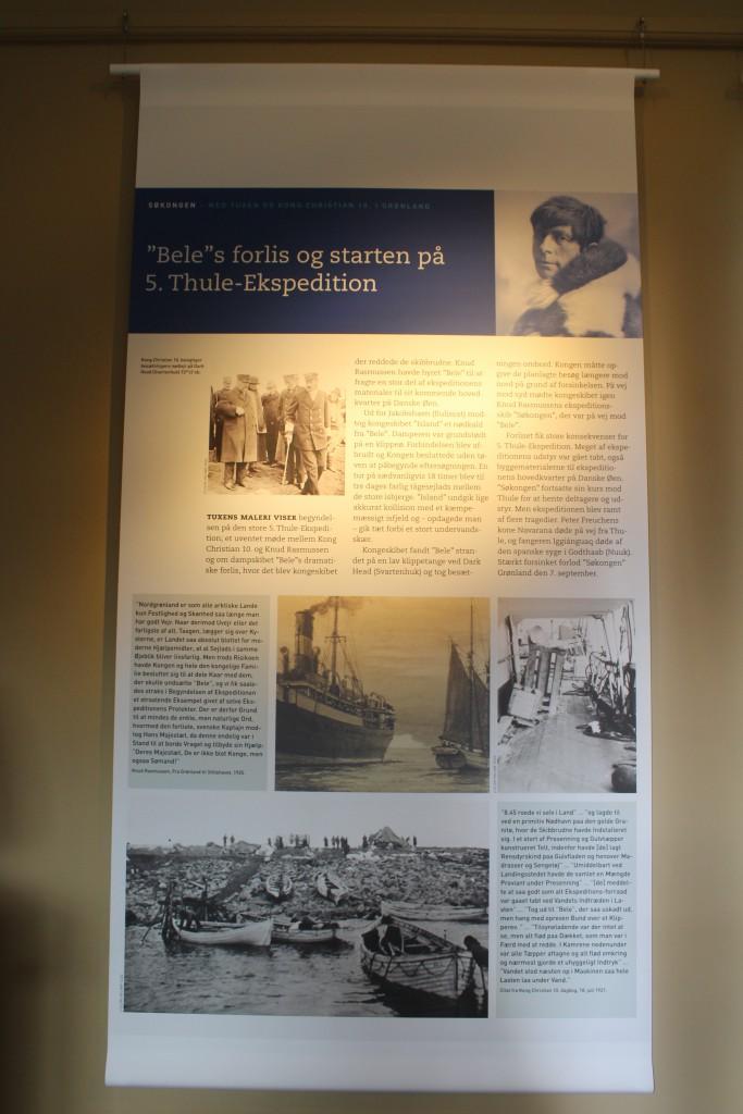 Planche i sæeudstilling om Knud Rasmussen 5. Thueskepedition. Foto den 2. september 2015 af Erik K Abrahamsen