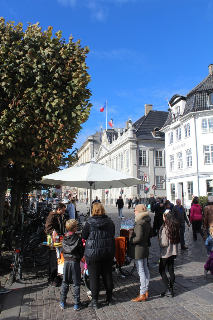 Bike-pancake-street-bakery in Nyhavn. View in direction north to Kgs. Ny